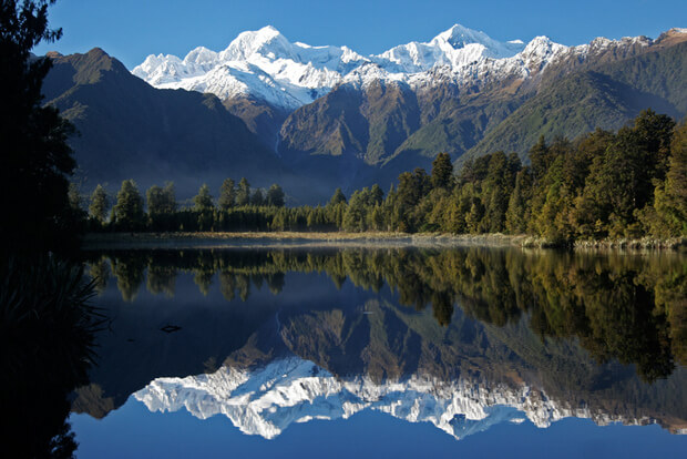 rolling around new zealand a wheelchair user s travel guide