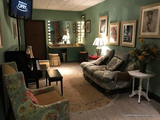 Cousin Minnie room