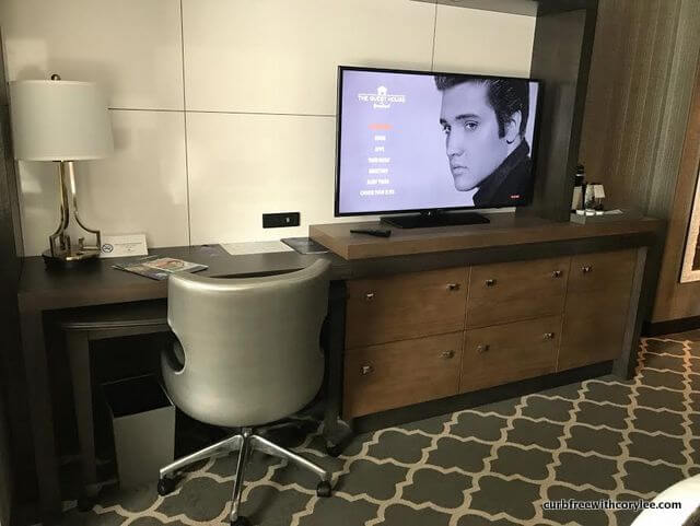 guest house at graceland hotel review